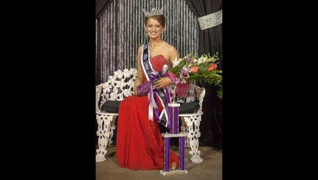 Clare Bunyan of Cobden was crowned as the 2016 Union County Fair queen Sunday night in Anna. Photo by Tiffiny Dillow for The Gazette-Democrat.