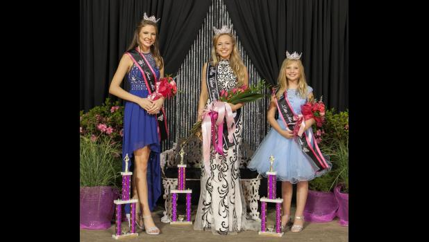 The new Union County Fair queen, Erin Dillow, center, is with 2017 Junior Miss Union County, Grace Girtman, and 2017 Little Miss Union County, Melayna Korb. Photo by Tiffiny Dillow for The Gazette-Democrat.