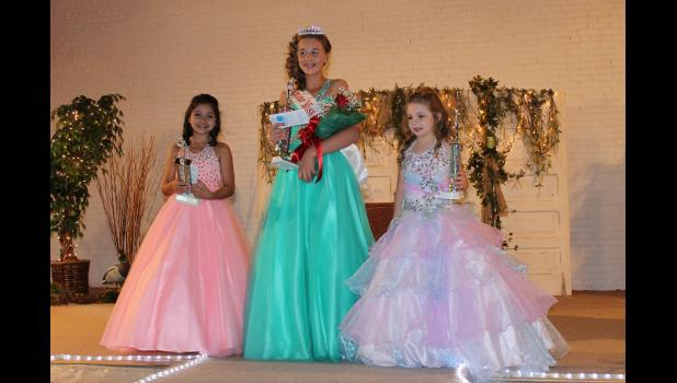 From left are first runner up Mariah Downs, 2017 Junior Miss Cache River Jadeyn Biggerstaff and second runner up Hannah Hale.