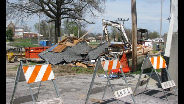 An old concession stand near the grandstand at the Anna City Park was razed last week.
