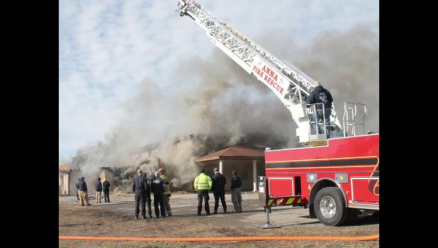 Area firefighters had an opportunity for hands-on training last weekend in Vienna when the Gambit Inn building was burned. Photo and story by Lonnie Hinton/The Vienna Times.