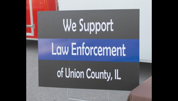 Yard signs are being sold to raise funds for a new K-9 unit in Union County.