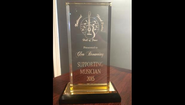 Glen Browning's National Thumbpickers Hall of Fame award.